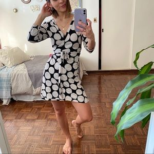 Dresses & Skirts - Cute polka dot wrap dress
